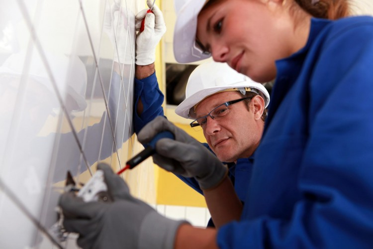 What You Should Know Before Taking An Electrical Course