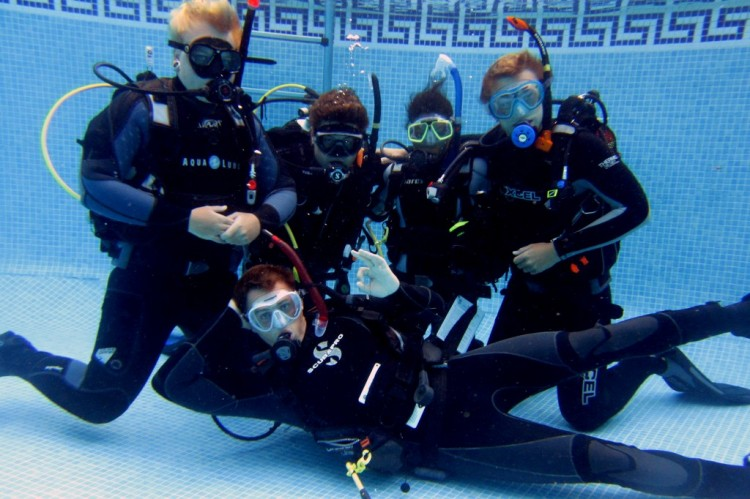 Why You Should Opt For Divemaster Internships?