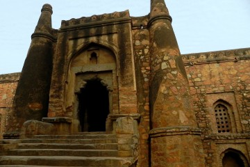 Did You Ever Notice These Monuments In Delhi?