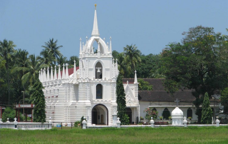 3 Historical Churches To Explore With Goa Family Packages2