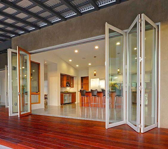 What makes a great bi fold door for Indoor outdoor doors