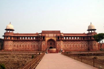 Relish Every Bit Of An Old City – Agra