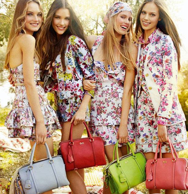 Top 10 Tips To Keep You Informed About The Latest Fashion Trends