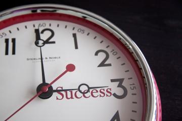 BinaryOptionsHub: 24 Hour Binary Options Trading
