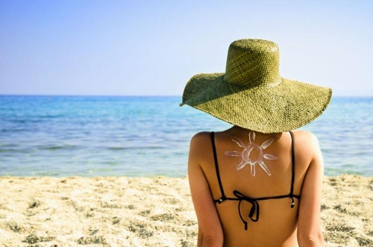 girl-by-the-beach