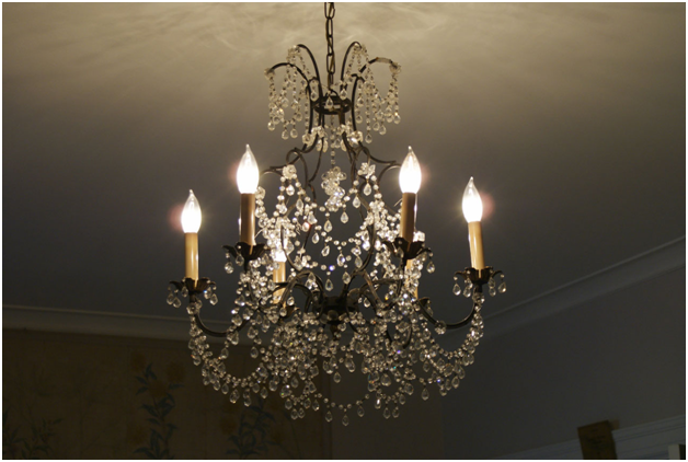 Dos and Don'ts When Buying A Chandelier For Your Home